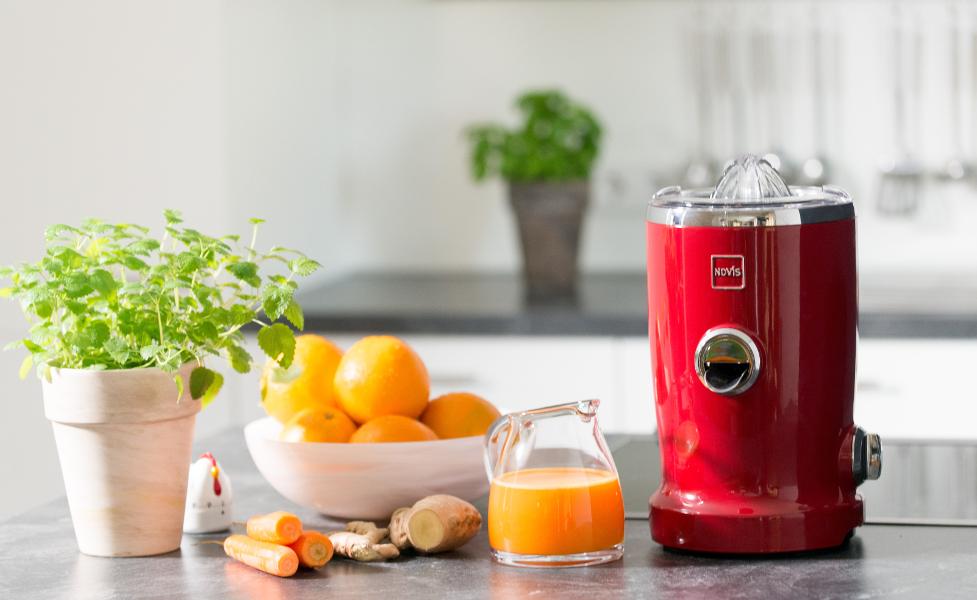 novis vita juicer s1 red spinchy gastrogear i h jeste klasse oplev brands som rocket. Black Bedroom Furniture Sets. Home Design Ideas